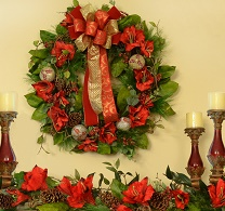 Red Amaryllis Holiday Wreath and Garland Set