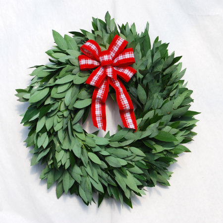 "18"" Fresh Mrytle Wreath"